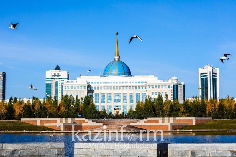 总统接见阿塔梅肯企业家协会主席库勒巴耶夫