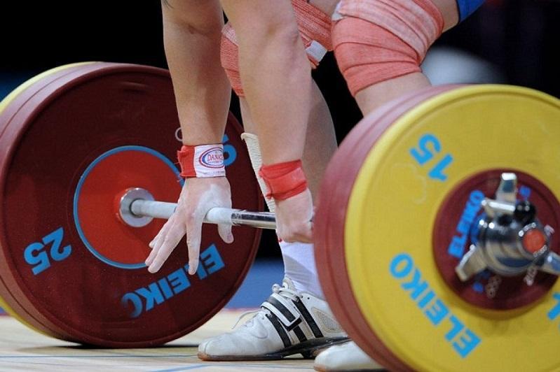 Гульнур Ыбрай стала третьей на ЧА по тяжелой атлетике