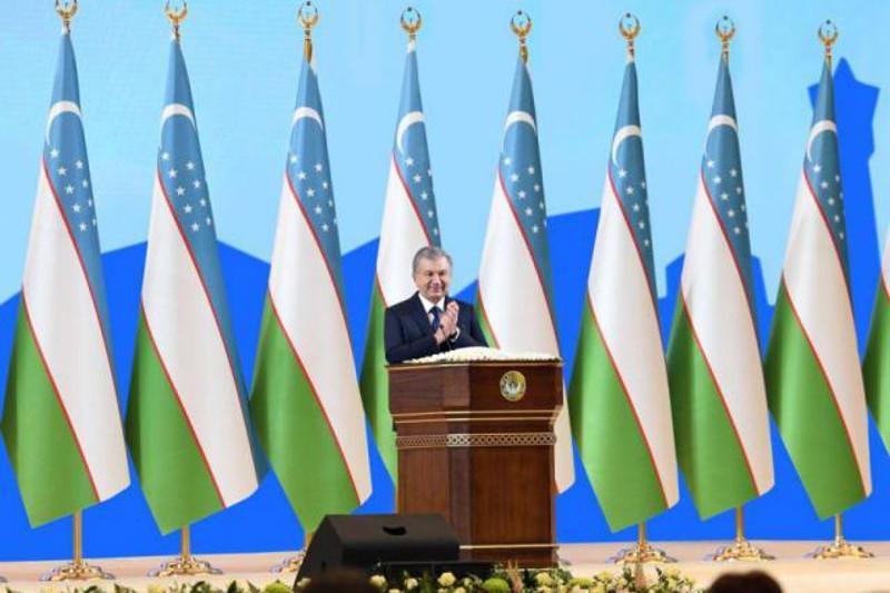 """乌总统签署命令将10月21日定为""""乌兹别克语""""节日"""
