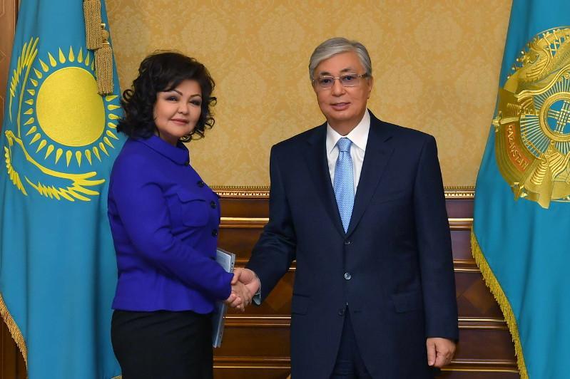 哈萨克斯坦总统接见国家社会信任会议成员
