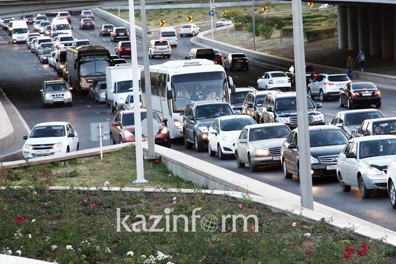 Жителей столицы просят сообщать об опасных участках автодорог