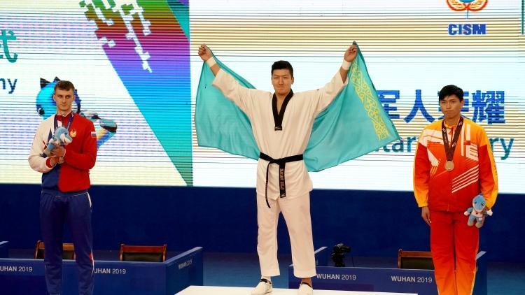 哈萨克斯坦代表团在第七届世界军人运动会中获得第一枚金牌