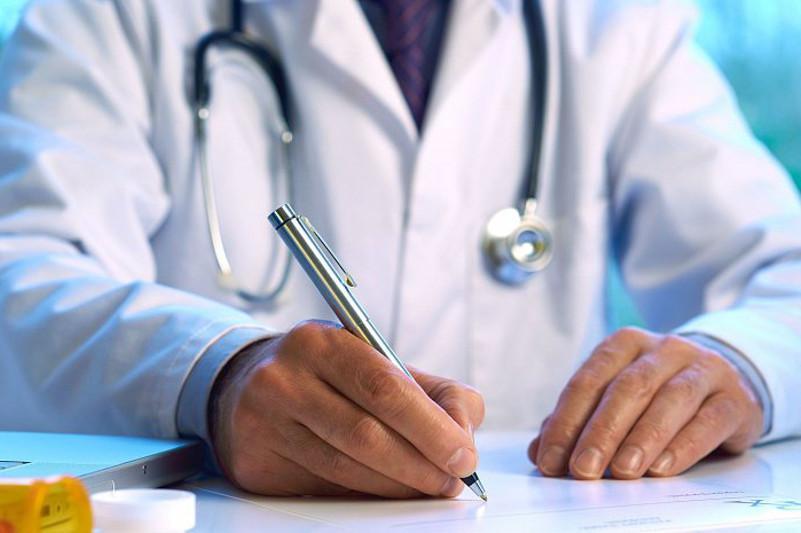 28 врачам перинатального центра в Атырау подписаны заявления об увольнении