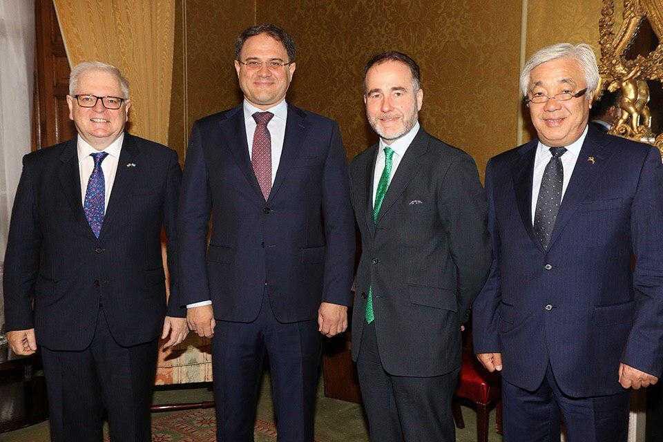 哈萨克斯坦与英国继续加强各领域合作