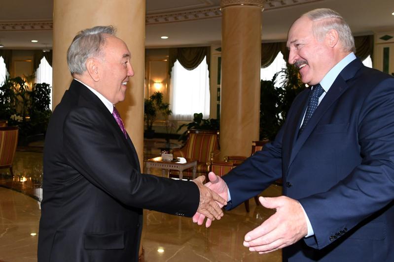 纳扎尔巴耶夫会见白俄罗斯总统卢卡申科