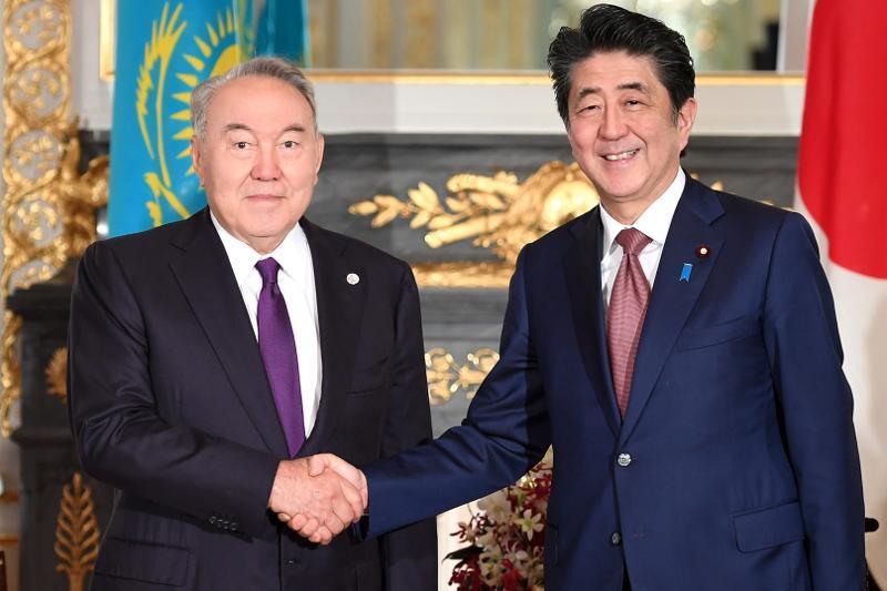 分析人士:首任总统纳扎尔巴耶夫对日本的访问具有象征意义