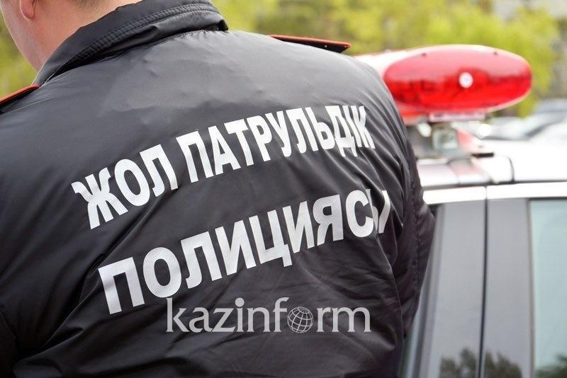 Перекрывший движение автобус водворен на штрафстоянку в Павлодаре