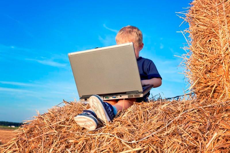 Мәжілісте ауылдарды  кең жолақты интернетке қосудың жоспары баяндалды