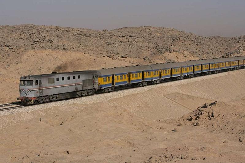 埃及发生火车汽车相撞事件 造成5死2伤