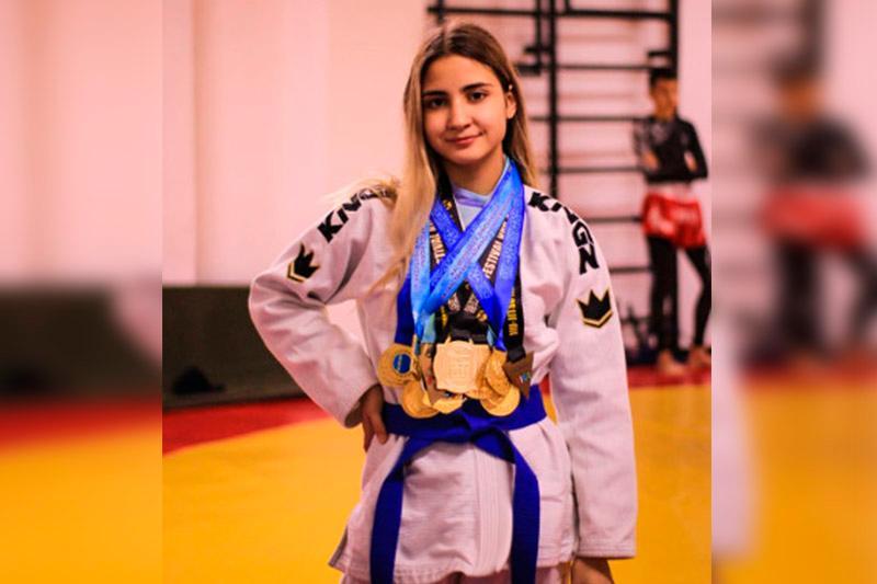 哈萨克斯坦选手在国际柔术大赛上夺金