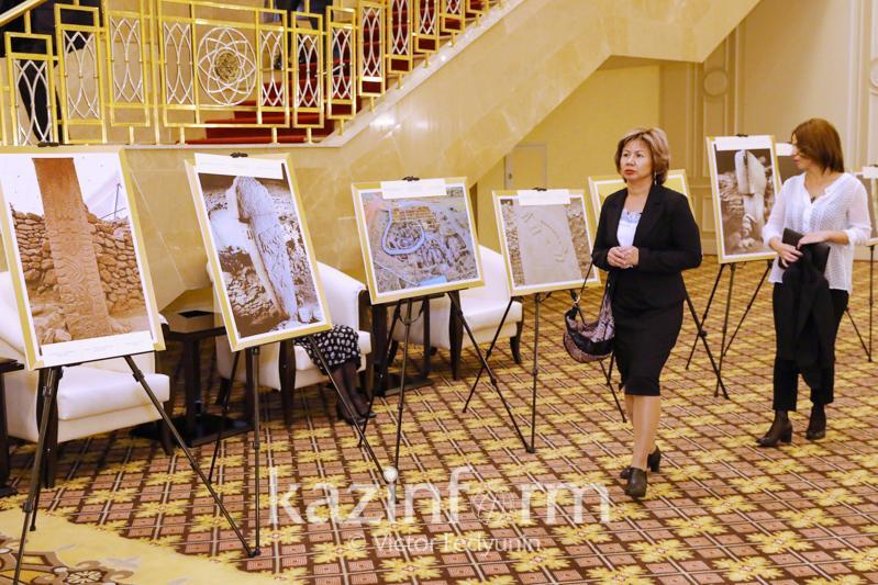 哥贝克力石阵图片展在努尔苏丹开幕