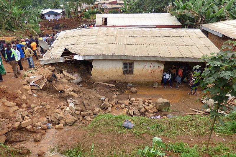 Более 40 человек стали жертвами оползня в Камеруне