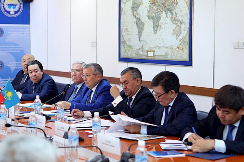 哈吉外交部磋商会议在比什凯克举行