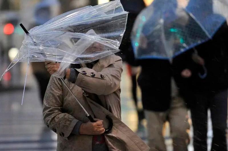 克孜勒奥尔达和库斯塔奈州发布大风天气预警