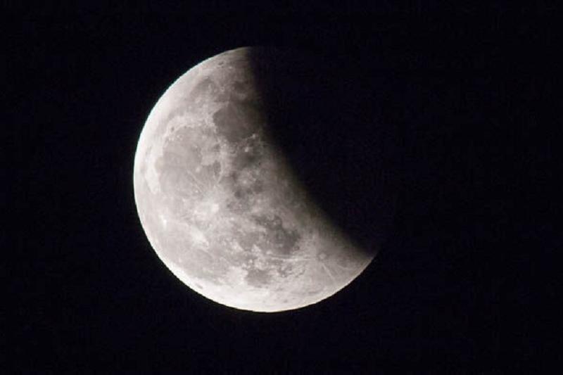 今夜哈萨克斯坦人将有机会欣赏木星合月的罕见天像