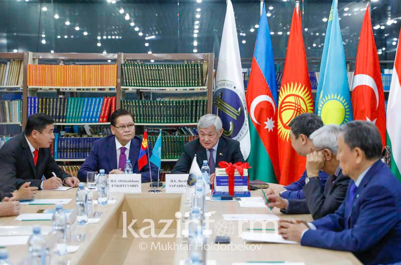 Бердібек Сапарбаев Моңғолия ғалымдарын тарихи зерттеулерге қатысуға шақырды
