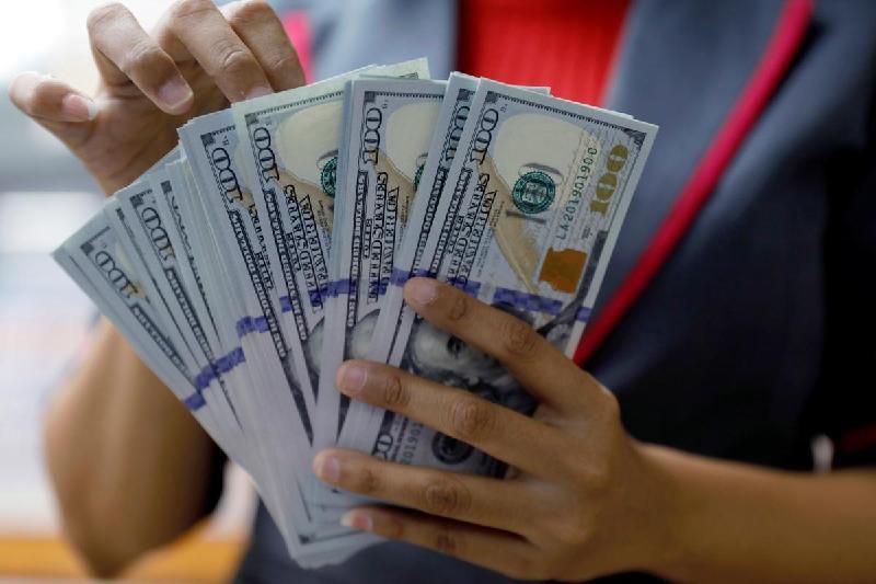 今日美元兑坚戈终盘汇率1:388.71