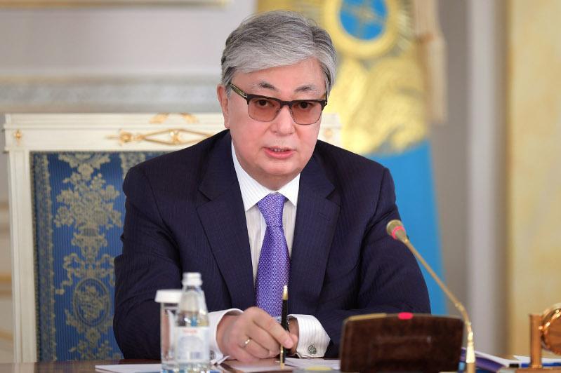托卡耶夫就列车大火事故向巴基斯坦总统致慰问电