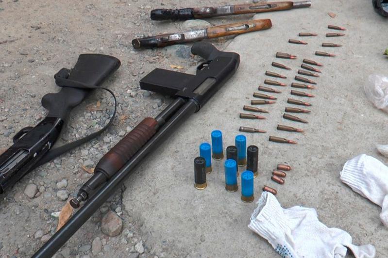Арсенал оружия изъяли у жителя Алматы