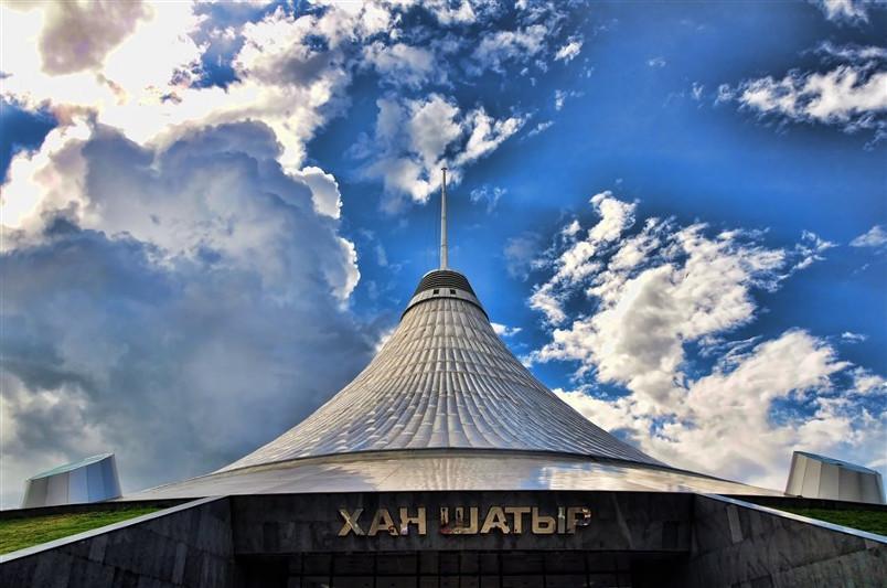 «Хан Шатырдың» астыңғы қабатынан өрт шықты