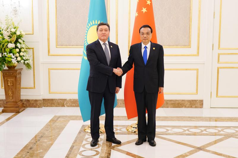 阿斯哈尔•马明会见中国国务院总理李克强