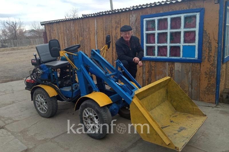Павлодардағы ауыл мұғалімі өз қолымен 7 трактор құрастырды