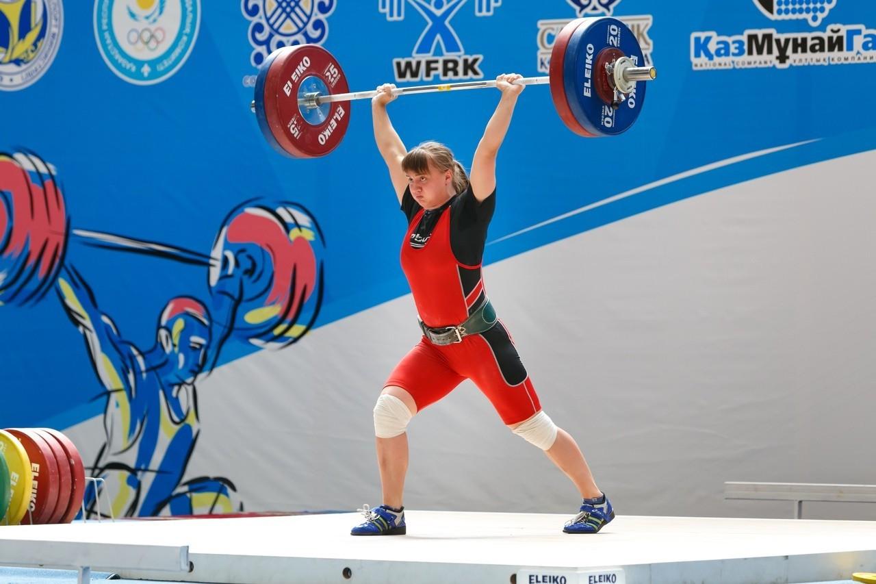 Казахстанка Екатерина Быкова завоевала «золото» на турнире по тяжелой атлетике в Беларуси