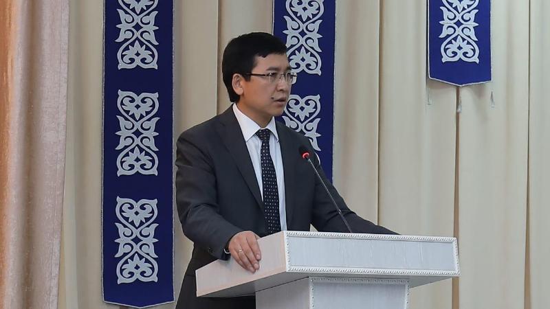 Асхат Аймагамбетов пообещал не обыскивать учителей на тестировании по подтверждению квалификации