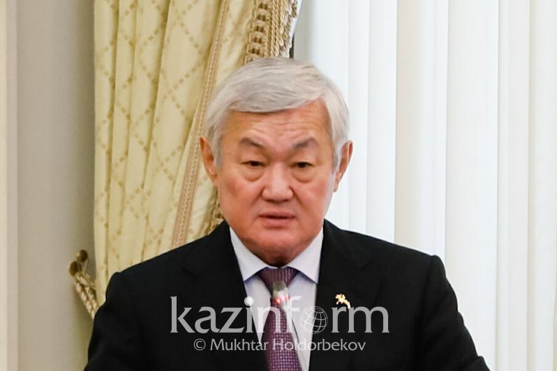 Қазақстанда 30 мыңға жуық дарынды бала бар - Бердібек Сапарбаев