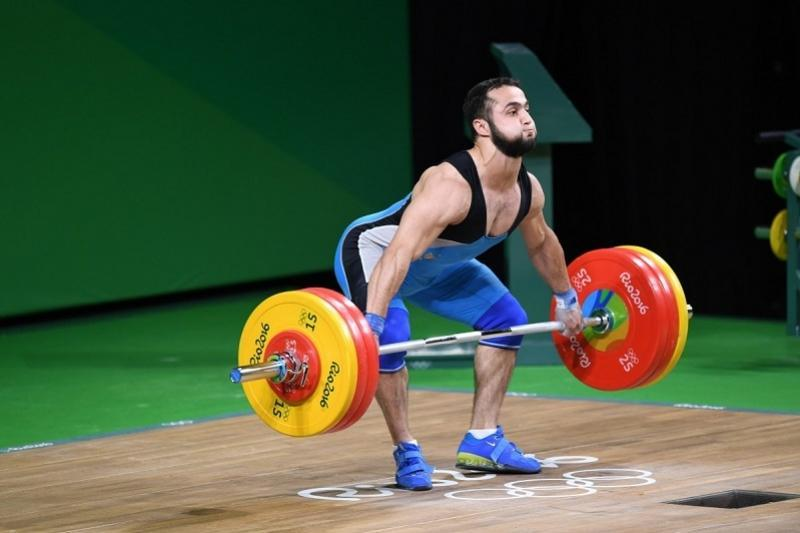 Тяжелоатлет Рахимов завоевал «золото» на турнире в Беларуси