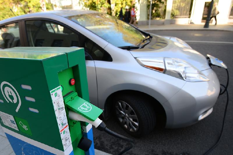 Спрос на электромобили в Казахстане сократился в два раза