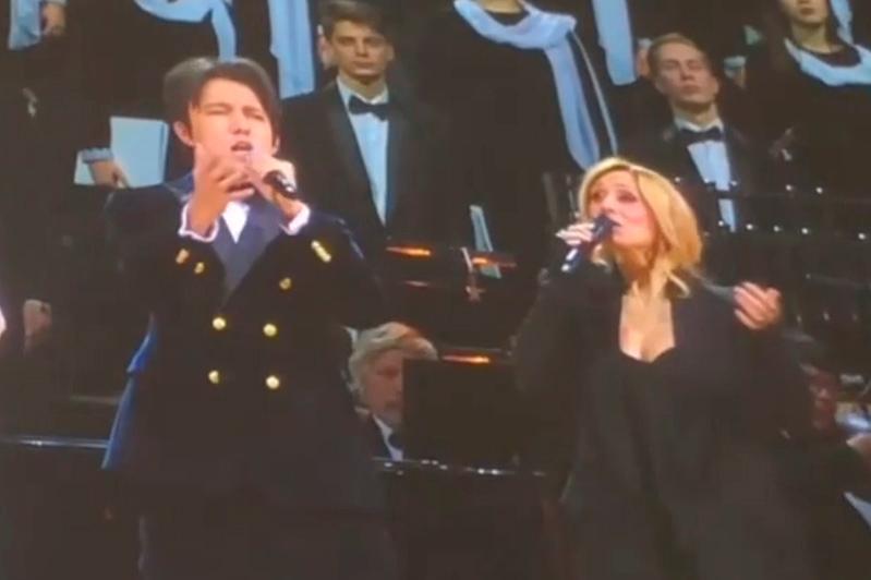 迪玛希与俄罗斯著名歌唱家同台演出