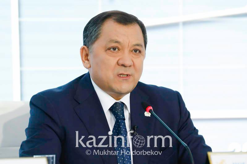 Аким Атырауской области: В Азгире мы строим дороги по новым технологиям