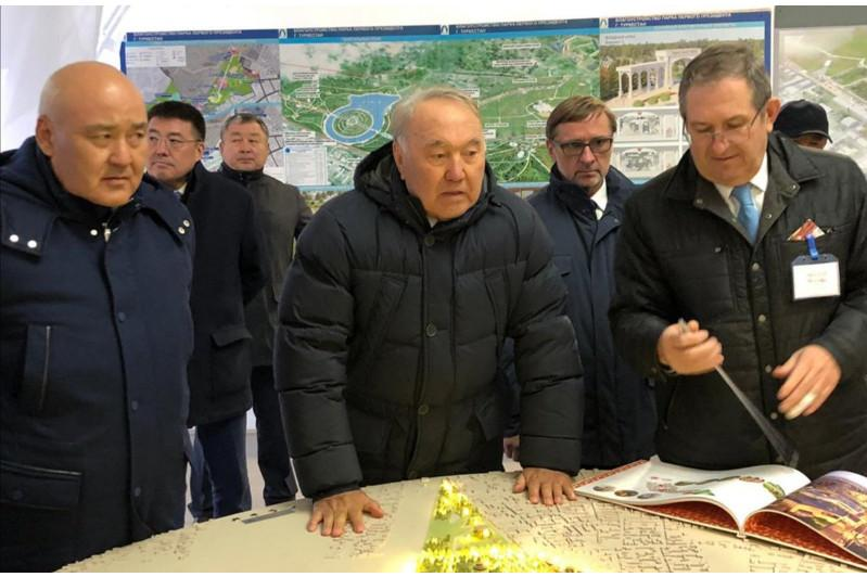 首任总统对突厥斯坦州进行工作视察