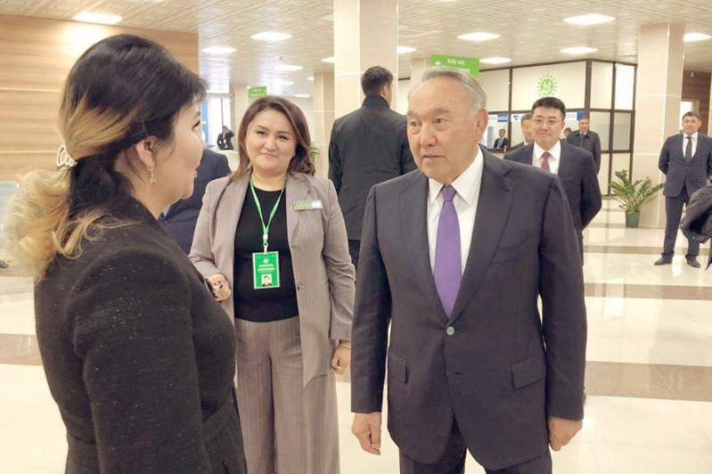 首任总统参访突厥斯坦市为民服务中心