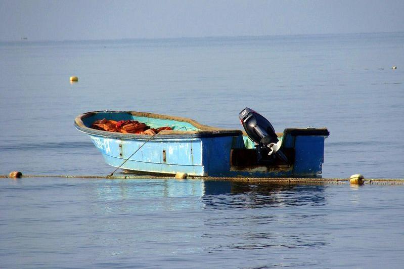 Третий день ищут пропавших в Аральском море рыбаков