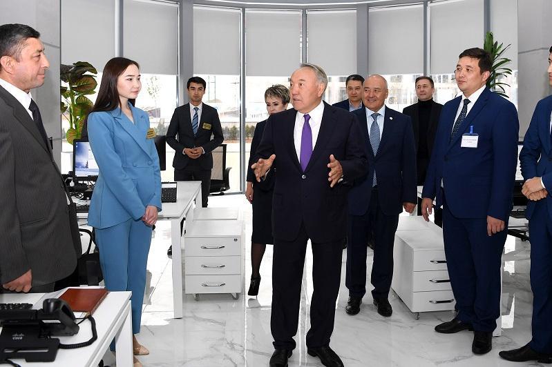 """首任总统参访突厥斯坦""""阿拉套""""媒体中心"""