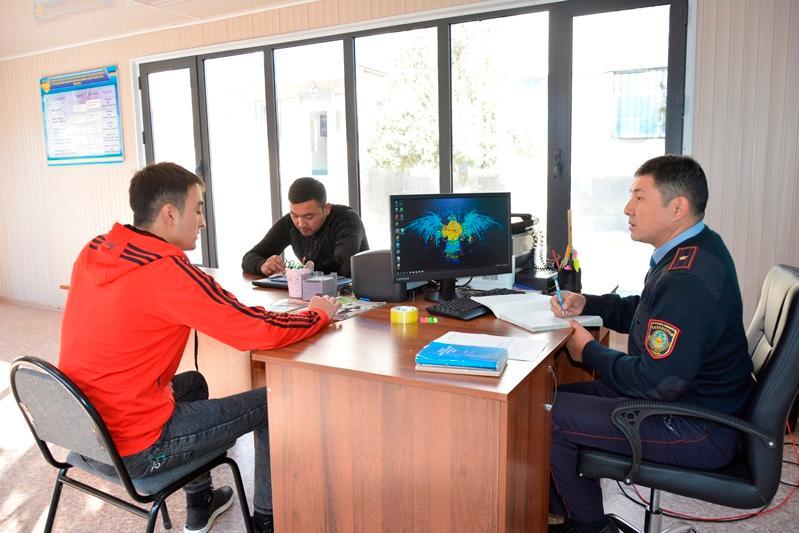 Түркістан облысындағы полицияның фронт кеңселеріне 3 мыңға жуық азамат келген