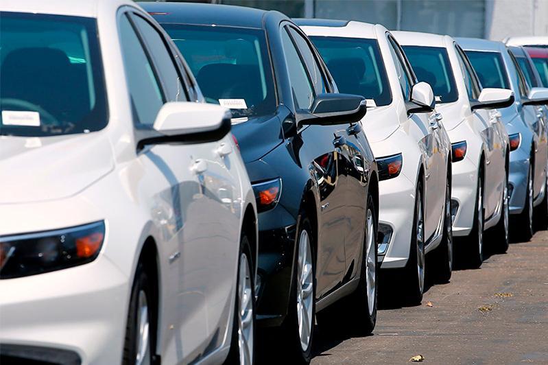 Берик Шолпанкулов об авто из Кыргызстана и Армении: Они до сих пор на временной регистрации