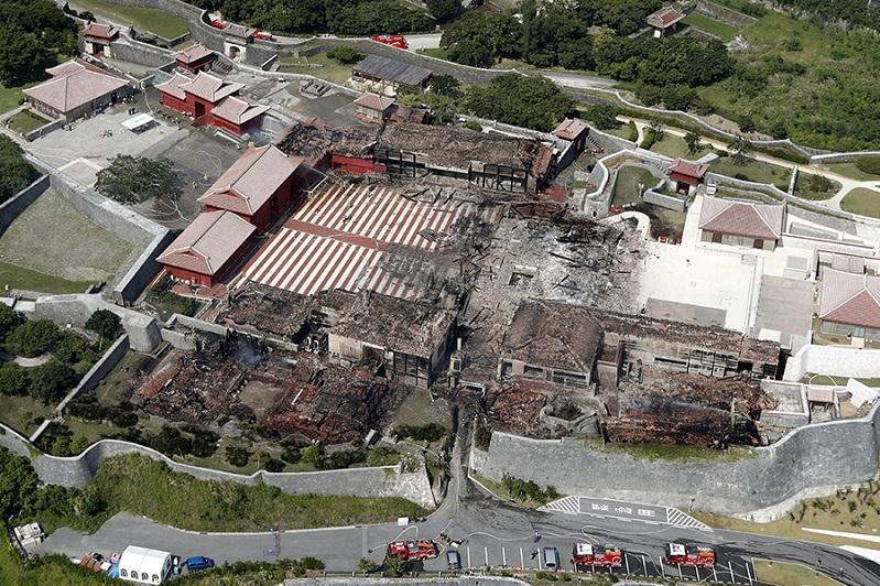 В Японии за неделю собрали 3,3 млн долларов на восстановление сгоревшего замка