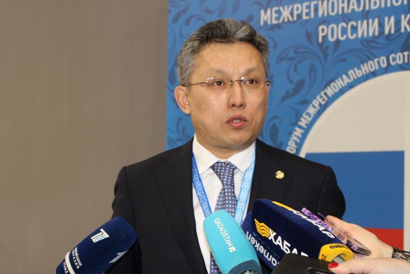 哈俄地区间合作论坛首日双方签署价值4000万美元的合作协议