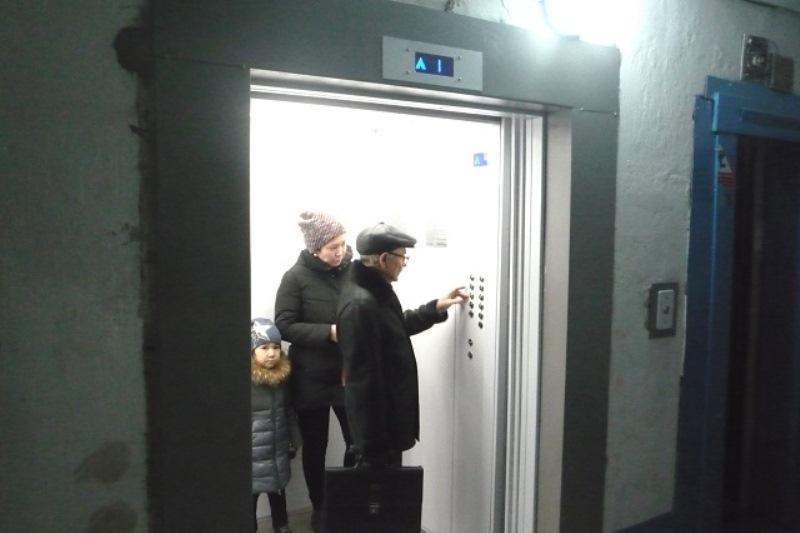 В Павлодаре в рамках программы «Развитие регионов» запущен первый лифт