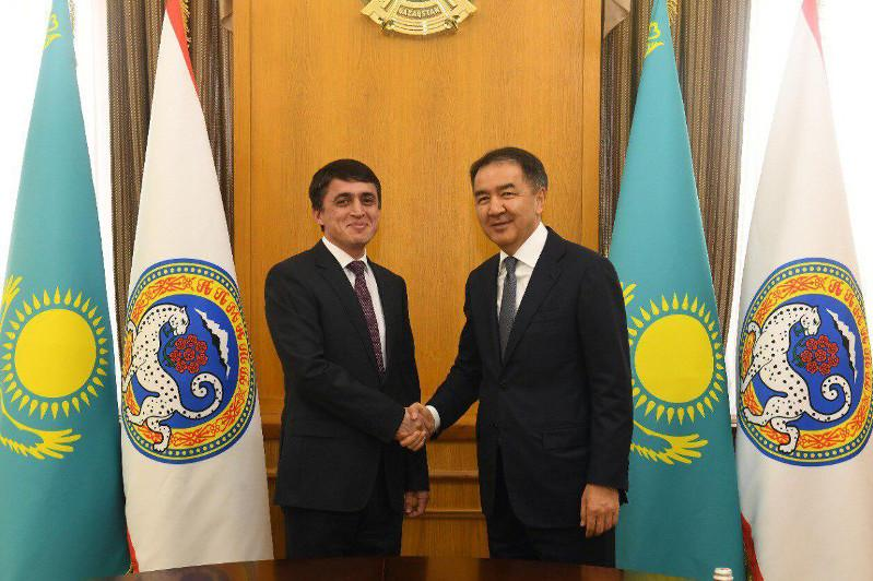 阿拉木图市长会见塔吉克斯坦驻哈总领事