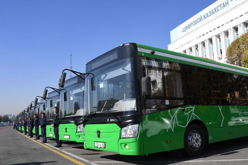 Как решается вопрос переполненных автобусов в Алматы