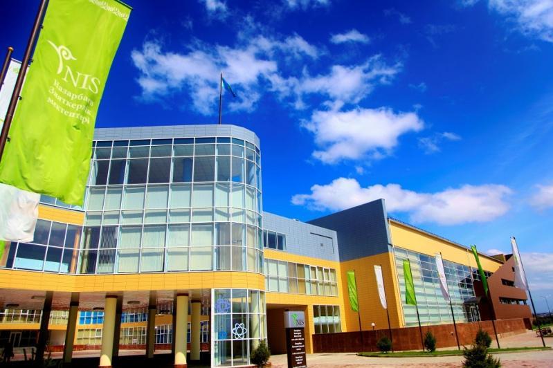 托卡耶夫总统提议在俄罗斯开设纳扎尔巴耶夫精英学校分校