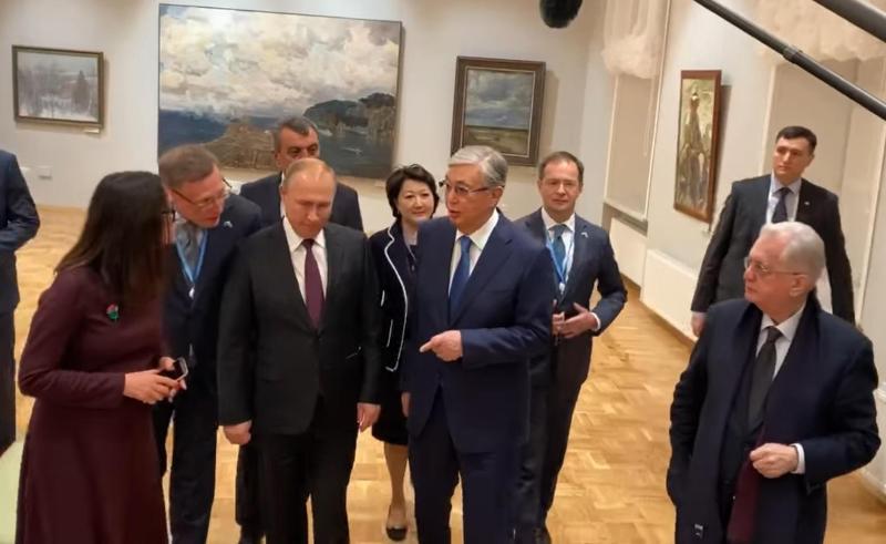 托卡耶夫总统参观艾尔米塔什博物馆鄂木斯克分馆