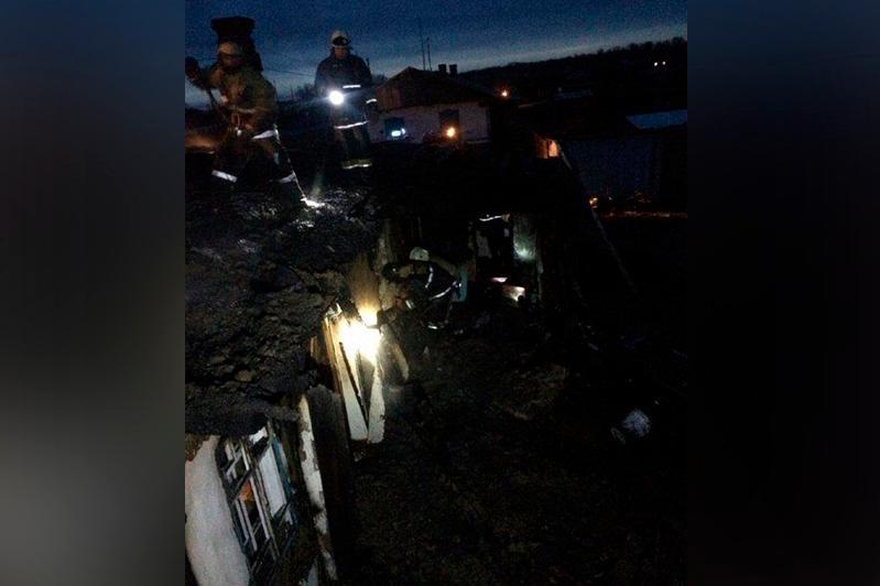 Десятиквартирный дом горел в Семее