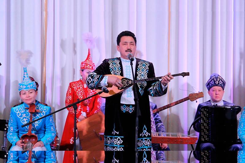 Қарағандыда Мәди Бапиұлы атындағы дәстүрлі ән орындаушылар байқауы өтуде