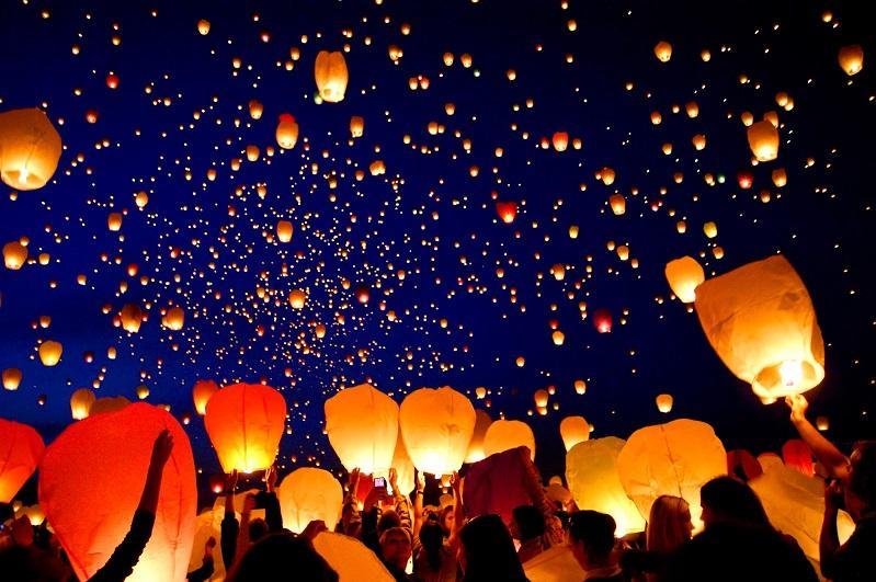 160 flights cancelled or rescheduled for fear of floating lanterns during Loy Krathong Festival