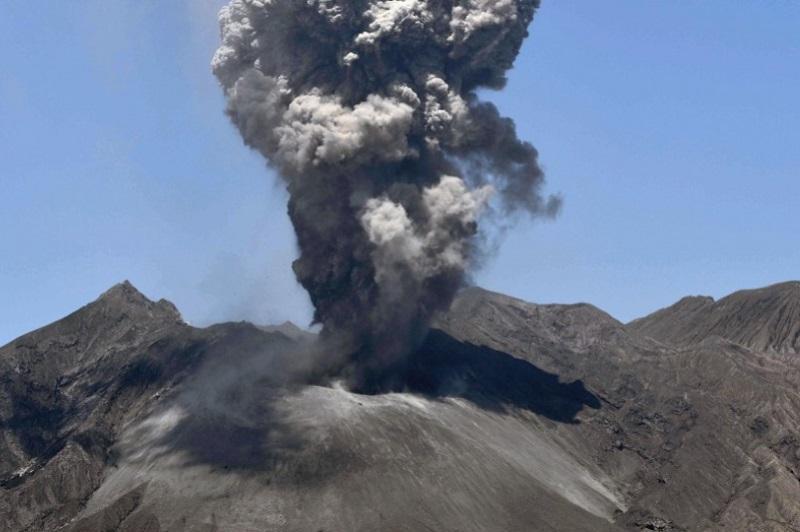 Sakurajima volcano erupts, ash from crater reaches 5,500 m